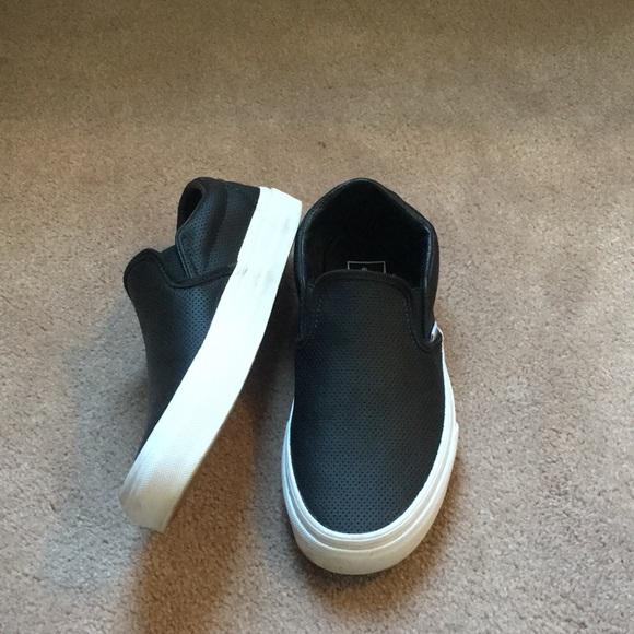 c20386d07c0e44 Black van slip on sneakers. M 5a8b519331a3764cf5fe5092